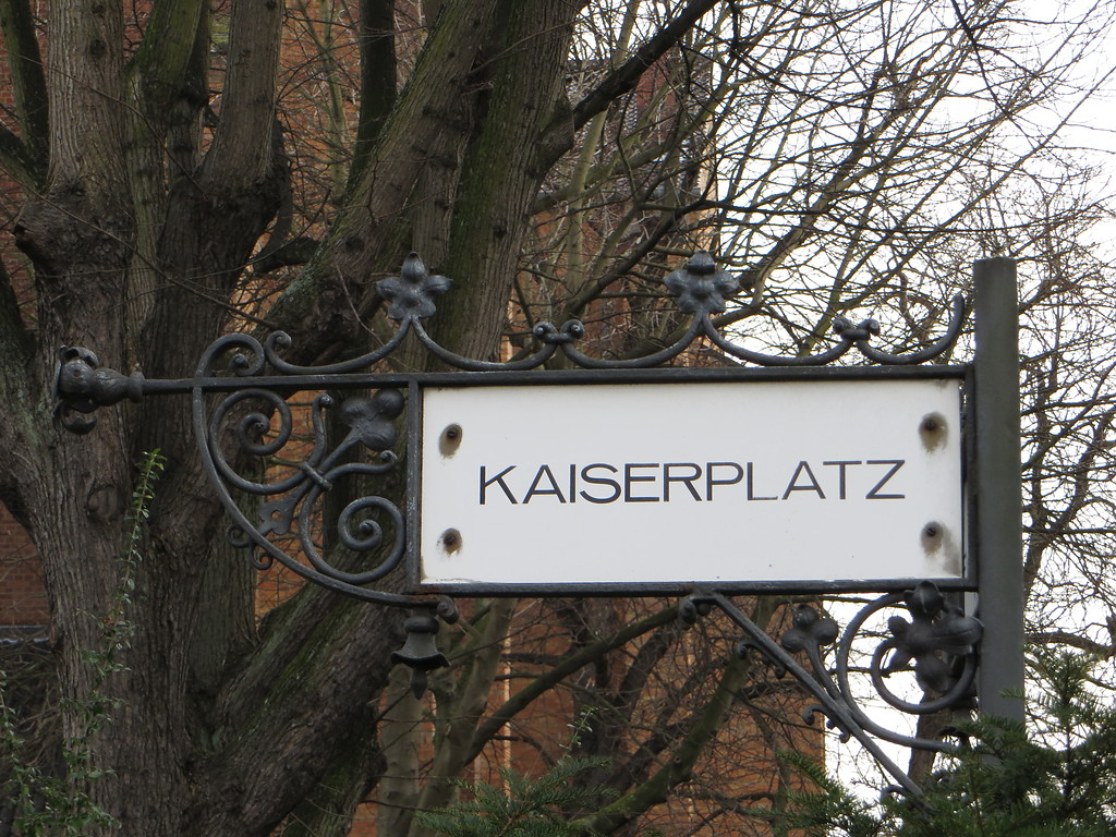 Schild am Kaiserplatz