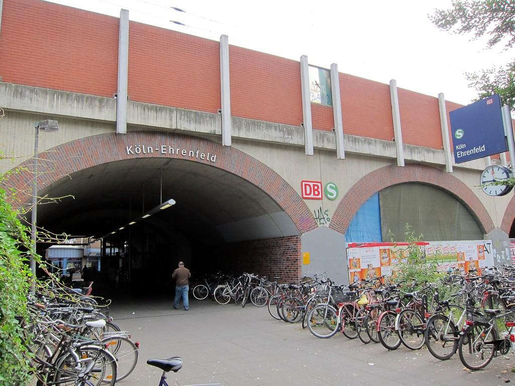 Bahnhof Ehrenfeld Fahrplan