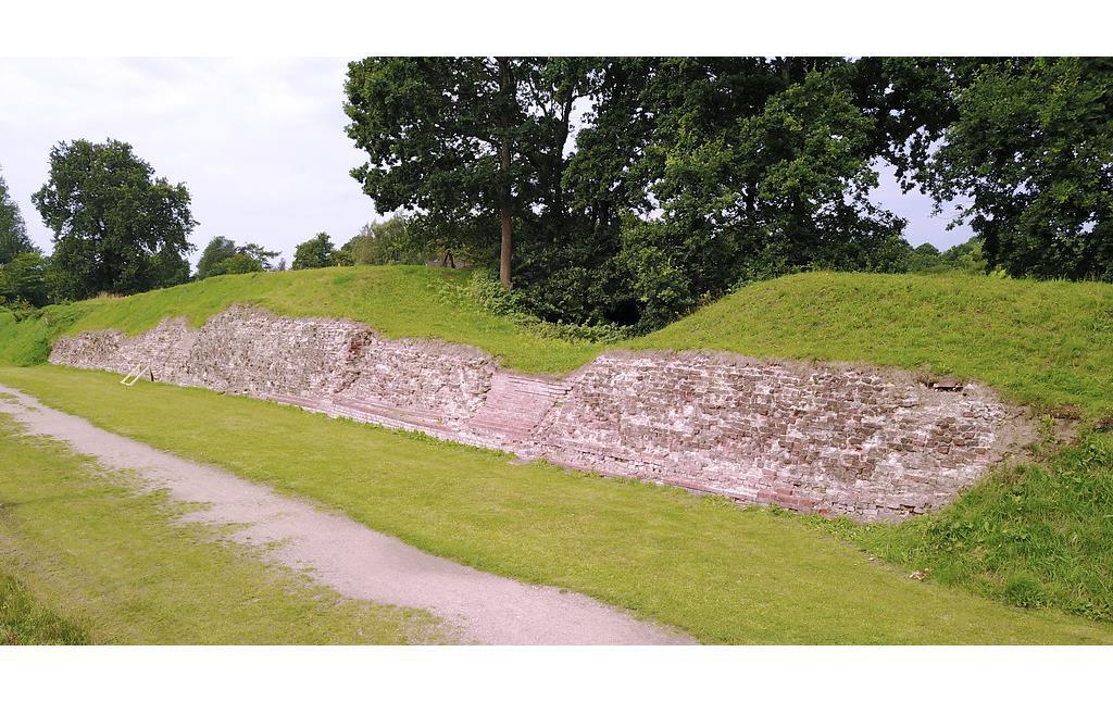 Ruine der Waldemarsmauer (2017)