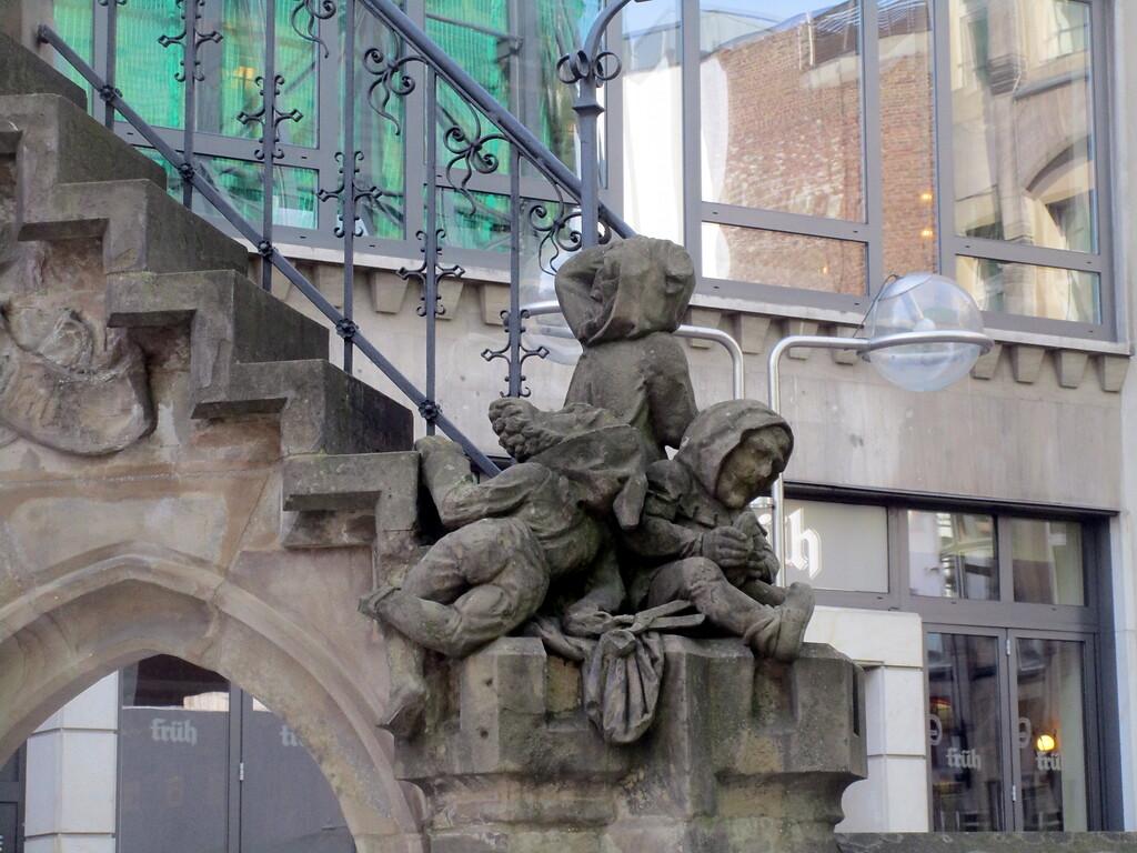 Heinzelmannchenbrunnen In Der Kolner Altstadt Objektansicht
